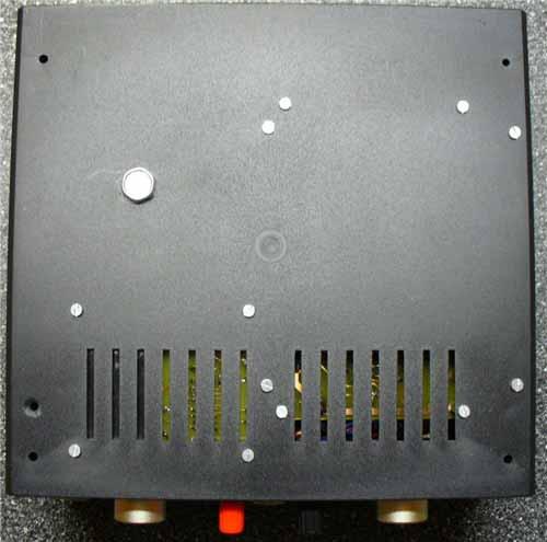 Spodní strana skříňky